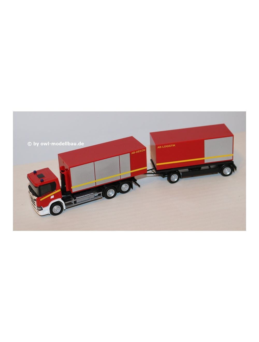 Herpa LKW Scania CG17 Abrollcontainer-Hz Feuerwehr 310017