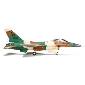 Herpa Wings 555579, USAF 18th AS, Flogger, color scheme Lockheed Martin F-16C Fighting Falcon, 1:200 , 4013150555579
