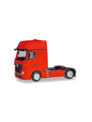 Herpa 309202-002, Mercedes-Benz Actros Gigaspace 2018 Zugmaschine, rot, 1:87, 4013150349673