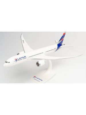 Herpa Wings Snap Fit 612692, LATAM Boeing 787-9 Dreamliner, CC-BGB, 1:200, 4013150612692