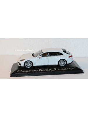 Minichamps WAP0207630J, Porsche Panamera Turbo S E-Hybrid Sport Turismo, 2020, weiss, 1:43